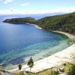 Água incrível do Lago Titicaca, Bolívia.