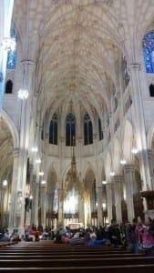 Interior da Catedral de São Patrício, NYC.