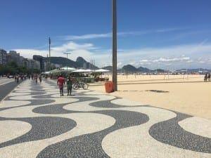 O famoso calçadāo de Copa, Rio.