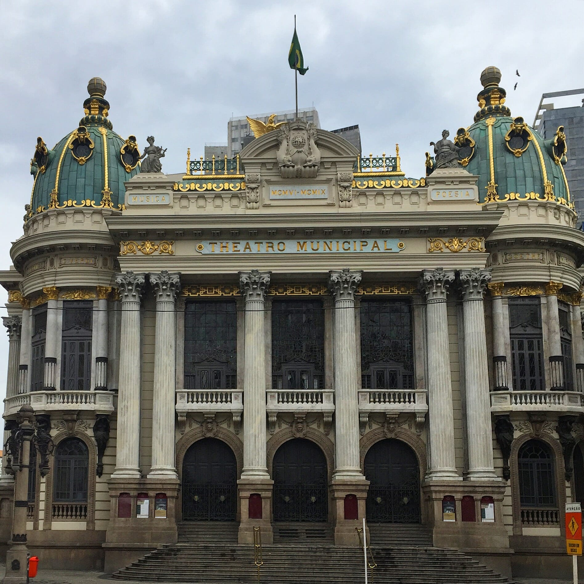 O famoso Teatro Municipal do Rio.