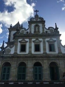Iglesia y Monasterio de Santo Antônio, construidos en 1650. Esa es la primera iglesia barroca de Brasil.