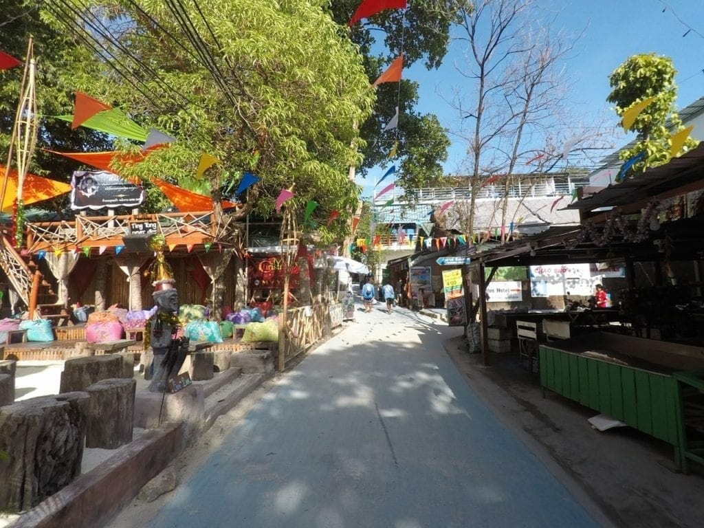 "Stroll around the ""Walking Street"""