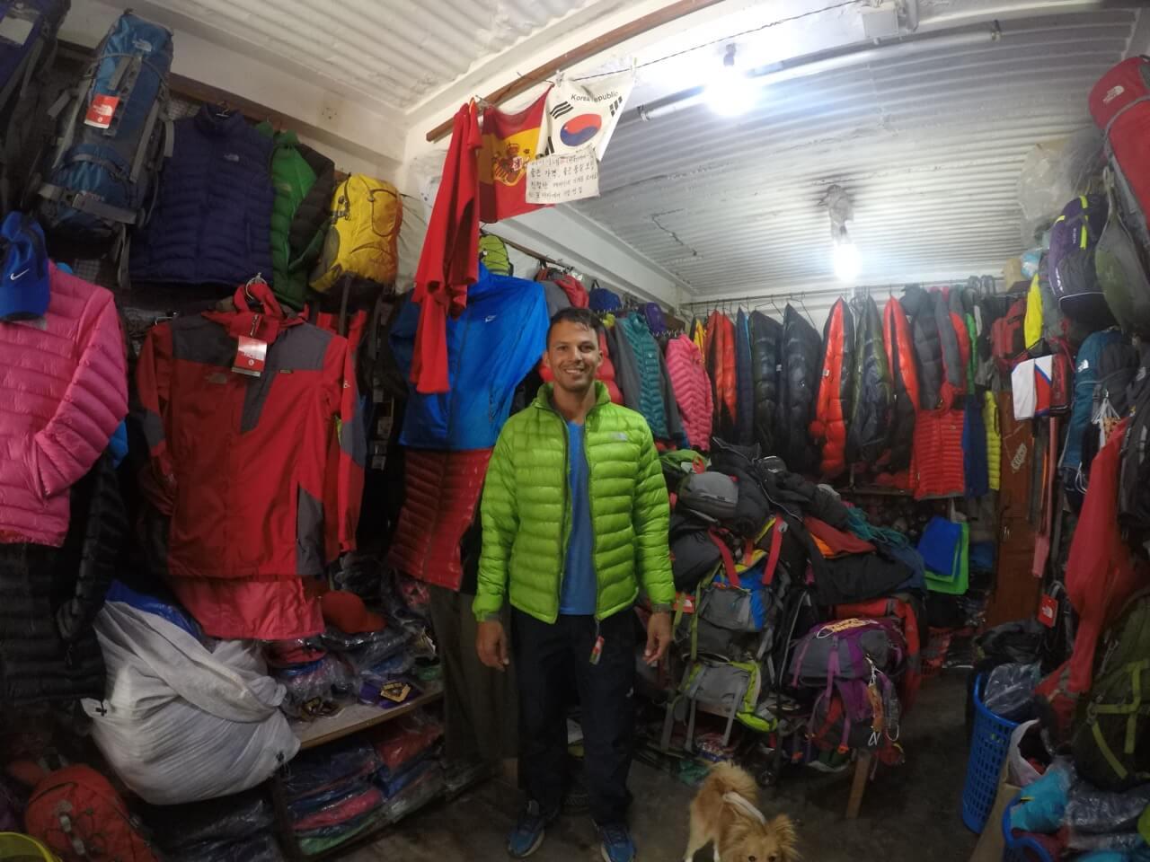 o que levar e vestir para fazer um trek no Nepal