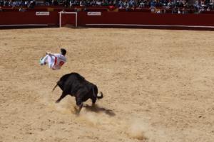 bullfighting-valencia-spain-recortes