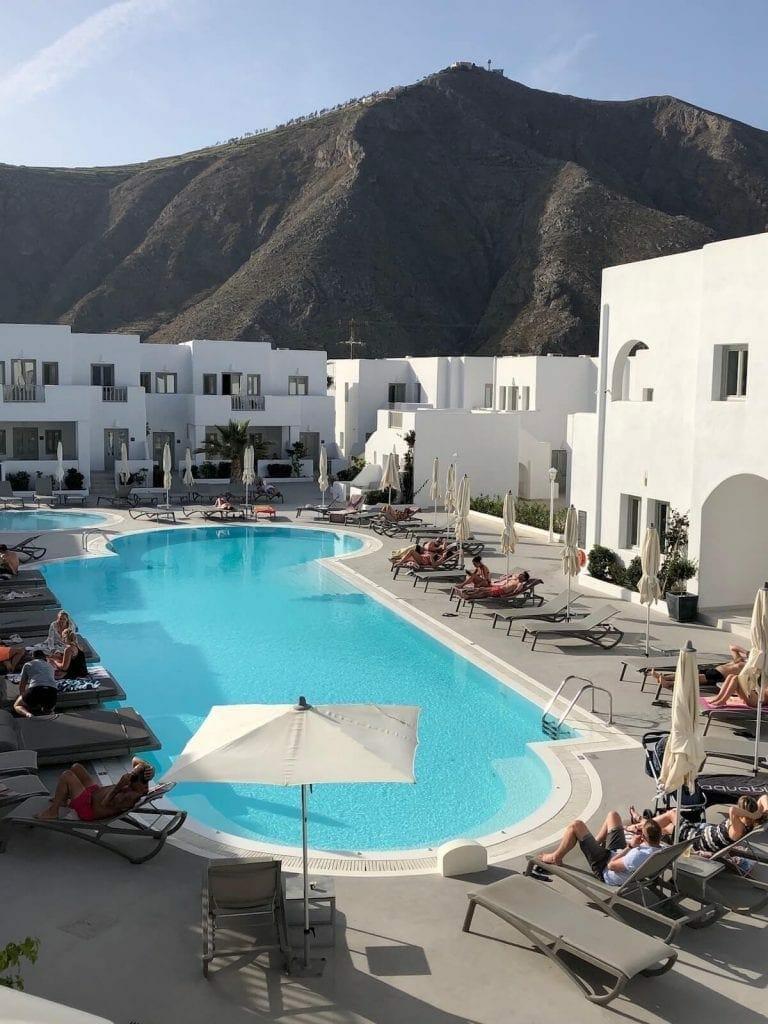 hotéis-em-santorini-piscina