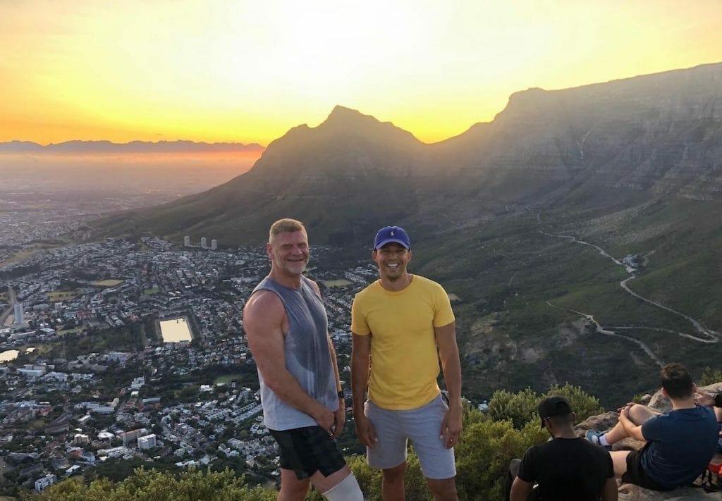 Table Mountain e Dozes Apóstolos vistos da trilha da Lion's Head
