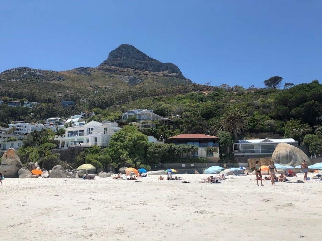 A Terceira Praia de Clifton, é uma das praias gays de Cape Town.