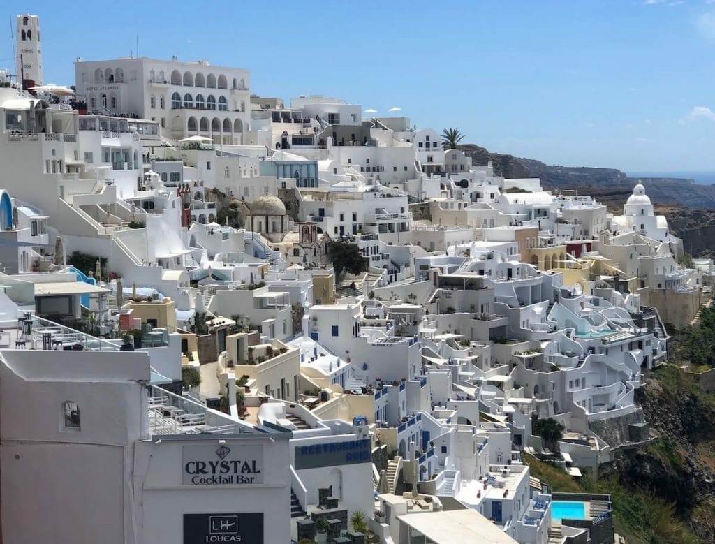 A cidade de Fira, Santorini, Grécia